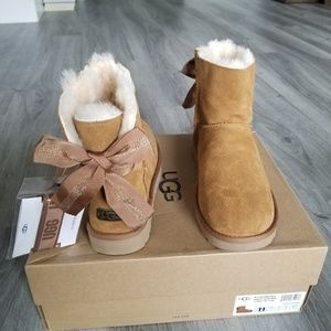 c58e135f05f UGG Customizable Bailey Bow Mini Boot. NWT